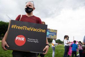Lý giải tranh cãi về bãi bỏ quyền sở hữu trí tuệ vaccine COVID-19