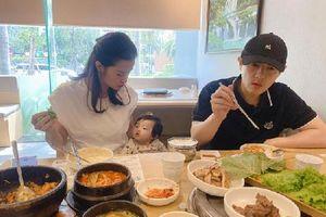 Con gái Winnie làm gì trong lúc cả nhà ăn trưa mà khiến Đông Nhi phải ý kiến thế này?