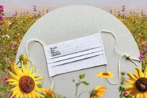 Khẩu trang có thể phân hủy sinh học của Marie Bee Bloom nở thành hoa dại