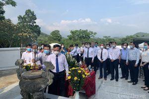 Bộ Công Thương tổ chức chuyến đi 'Về nguồn' nhân kỷ niệm 70 năm ngày truyền thống