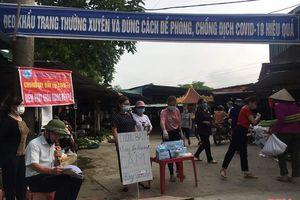 Hội LHPN phường Lam Sơn (Bỉm Sơn) phát khẩu trang miễn phí phòng chống dịch bệnh COVID-19