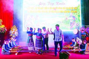 Nhảy sạp - nét đẹp văn hóa trong đời sống văn hóa, tinh thần của đồng bào dân tộc Thái Quan Sơn