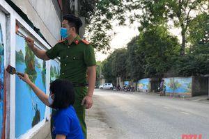 Cuốn hút đường tranh bích họa vùng quê Ninh Khang