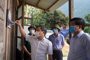 Đồng chí Bí thư Tỉnh ủy kiểm tra tình hình kinh tế - xã hội và công tác chuẩn bị bầu cử tại xã Trường Sơn