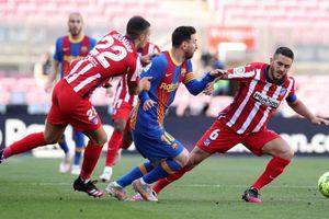 Barca hòa Atletico, Real Madrid có cơ hội chiếm ngôi đầu La Liga