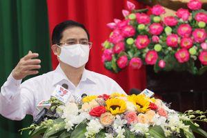 Thủ tướng kêu gọi người dân bình tĩnh, chung tay chống COVID-19