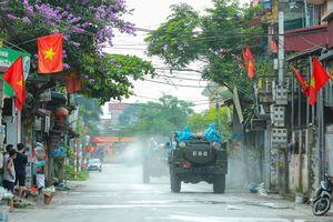 Phun khử khuẩn tại xã Tô Hiệu, huyện Thường Tín