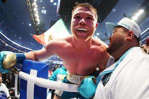 Đánh bại Billy Joe Saunders, Canelo Alvarez đặt mục tiêu trở thành nhà vô địch tuyệt đối trong lần thượng đài tới