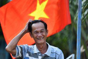 Cuộc sống trong dịch ở 'ốc đảo' cách Campuchia 100 m