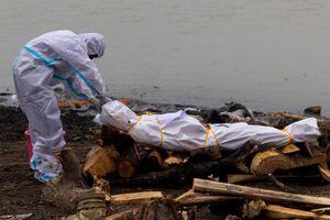 21 người chết sau khi dự đám tang của một bệnh nhân Covid-19 ở Ấn Độ