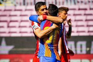 Ngày về Camp Nou kém vui của Suarez