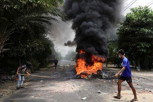 Chính quyền Myanmar gọi nhóm đối lập là 'khủng bố'