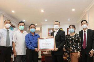 Đại sứ quán Việt Nam tại Campuchia tích cực phòng chống Covid-19