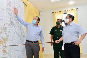 Thủ tướng quán triệt 8 nhiệm vụ trong cuộc họp khẩn để chống dịch