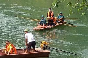 Chìm thuyền chở 9 người đi làm nương, 1 người tử vong