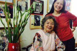 Ngày của mẹ, ngôi sao khoe hình gia đình 'ở nhà an toàn chống dịch'