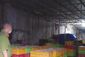 Phát hiện một cơ sở dùng hóa chất độc hại chế biến hải sản
