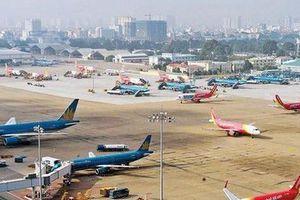 Vé máy bay 'cõng' thêm 90.000-100.000 đồng phí quản trị hệ thống