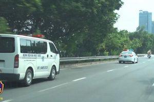 CSGT mở đường xuyên tỉnh 'thần tốc' đưa trái tim đến cứu người bên 'cửa tử'