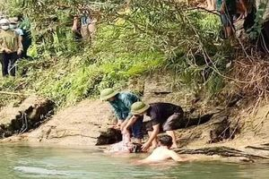 1 người tử vong do lật thuyền trên sông Chảy