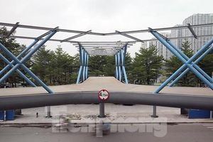 Hà Nội sắp hoàn thành cầu vượt bộ hành chữ Y siêu đẹp dành cho người đi bộ