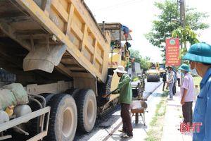 2,8 tỷ đồng 'nâng chất' nhiều tuyến đường giao thông ở Nghi Xuân