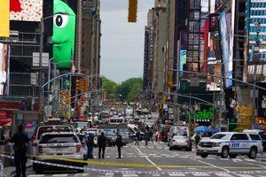 Mỹ: Xả súng ở quảng trường Thời đại khiến 3 người bị thương