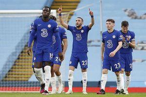Thua ngược Chelsea trên sân nhà, Man City chưa thể vô địch sớm