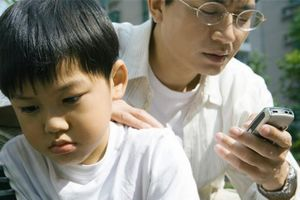 5 kiểu người bố làm hỏng tương lai con cái, nuôi dạy cỡ nào cũng khó thành công