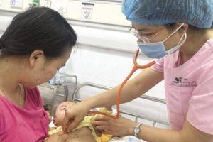 Không kịp thời điều trị trẻ mắc thủy đậu sẽ gặp biến chứng gì?