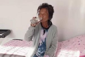 Thúy Nga tiết lộ cựu ca sĩ Kim Ngân thay đổi lớn, đã uống thuốc và chơi đàn
