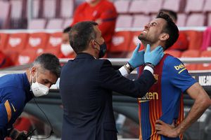 Busquets bị gãy xương hàm trong trận đại chiến Barca vs Atletico