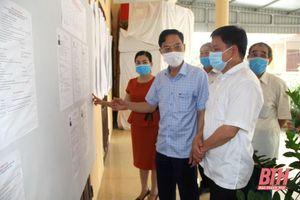 Phó Chủ tịch UBND tỉnh Đầu Thanh Tùng kiểm tra công tác bầu cử ĐBQH khóa XV và HĐND các cấp nhiệm kỳ 2021-2026 tại huyện Hoằng Hóa