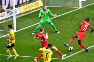 Manchester United chốt giá Sancho