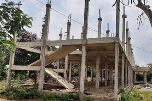 Đang khắc phục chất lượng bê tông tại công trình Trường TH-THCS Thống Nhất