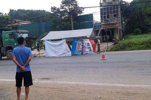 Hà Nội: Xe 'hổ vồ' lấn làn tông xe máy, hai thanh niên tử vong tại chỗ