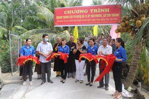 Khánh thành cầu bê-tông tại xã Tân Thanh chào mừng 40 năm thành lập GHPGVN