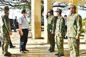 Chùm ảnh: Thủ tướng kiểm tra công tác phòng chống dịch tại biên giới Tây Nam