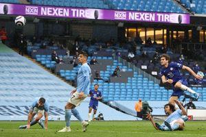 Kết quả Ngoại Hạng Anh: Thủng lưới phút bù giờ, Man City thua ngược Chelsea