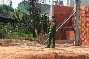 Mẹ và con gái 2 tuổi chết trong nhà trọ ở TP.HCM