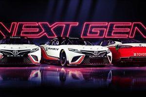 Khám phá phiên bản xe đua mạnh 600 mã lực của Toyota Camry