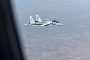Chiến đấu cơ Nga - Mỹ lần đầu 'chạm mặt' trên bầu trời Idlib