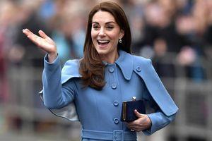 Thủ thuật đi giày cao gót của Công nương Kate Middleton