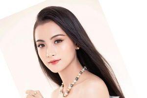 Ngẩn ngơ trước vẻ đẹp của nữ sinh Đại học Kinh tế Quốc dân trong các cuộc thi sắc đẹp
