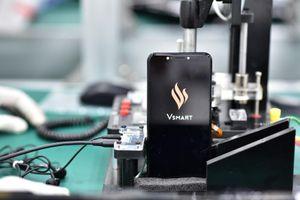 Dừng sản xuất smartphone, Vingroup sẽ làm gì?