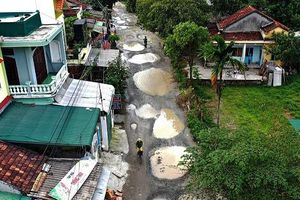 Cao tốc Đà Nẵng - Quảng Ngãi: Nhà thầu 'chây ì' không hoàn trả 7 tuyến đường đã mượn để thi công dự án
