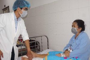 Phẫu thuật thành công cho bệnh nhân trật khớp gối có nguy cơ bị cắt chân