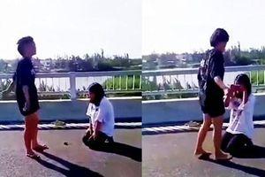 Hé lộ nguyên nhân hai nữ sinh gây lộn lột đồ của nhau