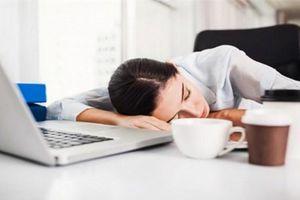 Ngủ ngay sau khi ăn trưa – thói quen nguy hiểm khôn lường tới sức khỏe dân văn phòng
