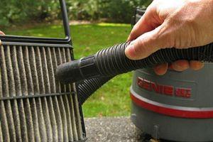 Mách bạn các bước vệ sinh lọc gió điều hòa ôtô đơn giản